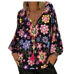 Tops - Cute, comfy, 60's-inspired blouse!